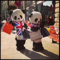 Shopping pandas to kickstart your day. Why not? #tourism #london #tourist #panda #china #england #chinese #shopping #shopper #regentstreet #regent #street #regentstreettweet By kennyto89