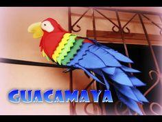 Guacamaya hecha de foamy (Goma Eva) | Manualidades para exteriores | Aprender manualidades es facilisimo.com