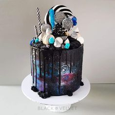 California Galaxy Constellation Cake - Michelle True - California Galaxy Constellation Cake A taste of galaxy! You might want this delicious cake for your Star wars-themed party! 12th Birthday Cake, Star Wars Birthday, Cute Cakes, Yummy Cakes, Teen Cakes, Galaxy Cake, Engagement Cakes, Drip Cakes, Wedding Desserts