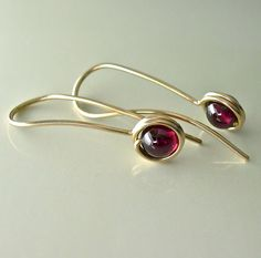 Red Garnet Gold Earrings Garnet Drop Earrings di artjeweldesigns,