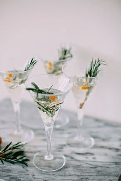 Wonderful Winter Champagne Cocktail | Christmas Inspiration