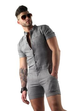 Looking for mens plaid romper for sale? Shop for grey short sleeve male romper shorts on Differio in glen plaid pattern. Buy plaid short rompers for men here! Romper Men, Romper Outfit, Mode Man, Stylish Mens Outfits, Stylish Clothes, Herren Outfit, Hommes Sexy, Latest Mens Fashion, Men Fashion