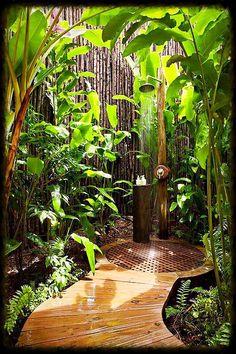 Garden Shower Screening - Ideas for the Outdoor Shower Wanted? - Garden Shower Screening – Ideas for the Outdoor Shower Wanted? Outdoor Baths, Outdoor Bathrooms, Outdoor Rooms, Outdoor Gardens, Outdoor Living, Outdoor Decor, Outdoor Bedroom, Rustic Outdoor, Outdoor Plants