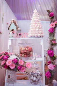 Flowers, macarons and love