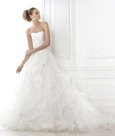 Brautkleider aus der Kollektion Dreams 2015 - Pronovias