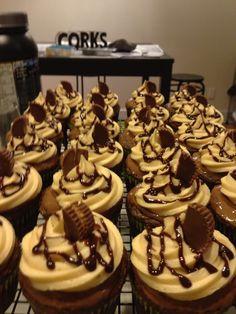 Chocolate cupcakes with choc/pb ganache and peanut butter buttercream Chocolate Cupcakes, Peanut Butter, Desserts, Food, Tailgate Desserts, Meal, Deserts, Essen, Dessert