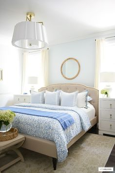 SIMPLE SUMMER BEDROOM DECOR - CITRINELIVING Summer Bedroom, Blue Bedroom, Bedroom Decor, Bedroom Furniture, Blue And White Bedding, Blue Bedding, Luxury Bed Sheets, Cheap Apartment, Beautiful Interior Design