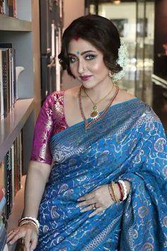 Desi Girl Image, Girls Image, My Beauty, Beauty Women, Swastika Mukherjee, Vidya Balan Hot, Beautiful Saree, Beautiful Women, Indian Beauty Saree