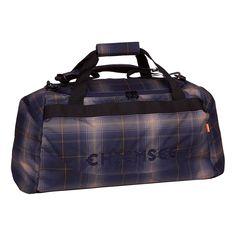 Die Chiemsee MATCHBAG MEDIUM ist eine Sport- und Freizeittasche in coolen Farben und Mustern. Passend für alle die nur das nötigste zum Sport brauchen: Turnschuhe, Hose, Shirt. Oder auch als Turnbeutel/Sportbeutel für die Schule. Du kannst die Chiemsee Fitnesstasche entweder angenehm über der Schulter oder an den beiden Griffen tragen. Die Sporttasche verfügt über ein großes Hauptfach das gut d...