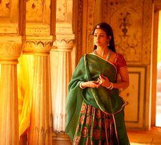 Aishwarya Movie, Actress Aishwarya Rai, Jodhaa Akbar, Rajasthani Painting, Bridal Nose Ring, Bengali Bridal Makeup, Indian Aesthetic, India Culture, Indian People