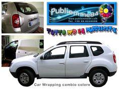 Cambio colore con adesivo per automobile.