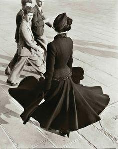 Glamour Vintage, Dior Vintage, Moda Vintage, Vintage Versace, Dress Vintage, Foto Fashion, 1940s Fashion, Fashion History, Vintage Fashion