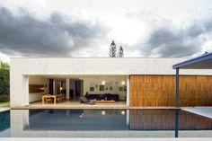 Casa abierta y cerrada al mismo tiempo - Noticias de Arquitectura - Buscador de Arquitectura