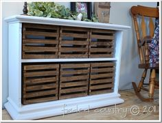 old bookshelf check, old crates check, robins egg blue paint check = beautifully repurposed furniture! Diy Storage Crate, Crate Shelves, Entryway Storage, Ikea Shelves, Wooden Shelves, Diy Shelving, Outdoor Storage, Storage Ideas, Vintage Crates