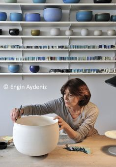 n.b.: how does potter alev ebuzziya achieve those incredible surfaces? witness the glaze tests....
