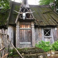 #vikinghouse #vikingstyle Scandinavian Architecture, Wooden Architecture, Ancient Architecture, Architecture Plan, Viking House, Viking Age, Vikings Live, Viking Village, Dragons