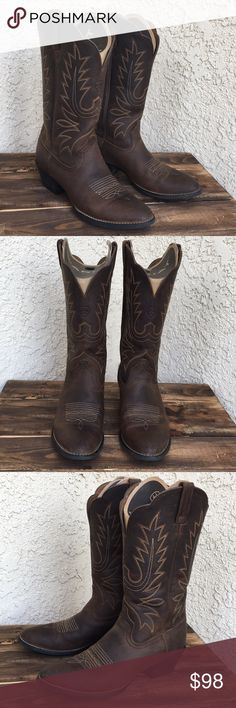 "Ariat Heritage Leather Cowboy Boots 8.5 - 9 These are a pair of Ariat Heritage Western R-toe 10001021 (15725) boots in size 8.5B. These should fit a 8.5 with thick socks or 9 with thin. The boots have been worn a few times but do show color from jeans on the inside leather. This pair has a snug instep not for high arches. Approx. Measurements: 12"" shaft, 2"" heel, 14.5"" opening (measured inside) Ariat Shoes"