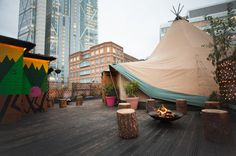 Queen of Hoxton: Amazing rooftop bar with a WIGWAM!