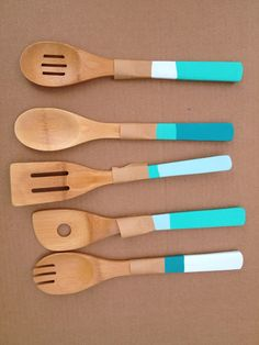 DIY Dipped, Color Blocked Spoons by The Happy Homebodies