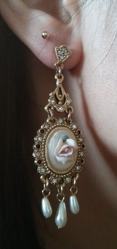 Chopsticks Chic: OOTD - Skirting the Issue  Vintage cameo earrings, victorian style  See more @ http://chopstickschic.blogspot.com/2015/01/ootd-skirting-issue.html