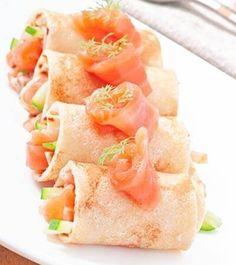 Pfannkuchen Röllchen mit Lachs Eat Pray Love, Low Carb Pizza, Tasty, Yummy Food, Fish Dishes, Cantaloupe, Healthy Recipes, Healthy Food, Brunch