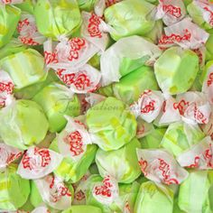 Golden Pear Taffy from Temptation Candy. Candy Craze, Taffy Candy, Jelly Belly Beans, Salt Water Taffy, Candy Brands, Green Candy, Favorite Candy, Banana Cream, Strawberries And Cream