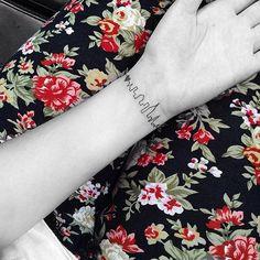 unique Tiny Tattoo Idea - Les Tatouages minimalistes de Jonboy