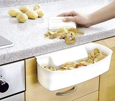 The collecting tray for kitchen waste with its plain white design offers the simple and competent solution.The practical collecting tray is the perfect waste collector for any kitchen and is simply hooked on to the kitchen drawer or in to Kitchen Cupboards, Kitchen Countertops, Kitchen Backsplash, Kitchen Units, Kitchen Waste, Smart Kitchen, White Farmhouse, Farmhouse Kitchens, Diy Garden Decor