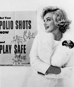 March of Dimes poster con Marilyn Monroe La Fundación March of Dimes es un Estados Unidos sin fines de lucro que trabaja para mejorar la salud de madres y bebés.  Fue fundada por el entonces presidente Franklin D. Roosevelt en 1938 para luchar contra la polio . Desde entonces, ha asumido la promoción de la salud general de las mujeres embarazadas y los bebés.