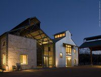Wonderful Use of Agrarian Typologies - Work by Others Modern Barn, Modern Farmhouse, Healdsburg Hotel, Lake Flato, Mix Use Building, Lodge Style, Modern Exterior, Modern House Design, Amazing Architecture