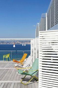 Nice chairs outside / jolies chaises à l'exterieur   More photos http://petitlien.fr/mobilieroutdoor