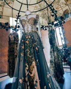 "148 gilla-markeringar, 2 kommentarer - C'est La Vie (@stylephilosophy_) på Instagram: ""@maisonvalentino #valentino #couture #hautecouture #fashion #fashionista #style #boheme #bohemian…"""