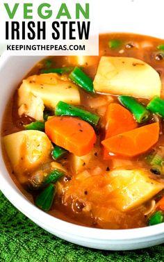 Vegetarian Crockpot Recipes, Vegetarian Soup, Vegan Dinner Recipes, Vegan Dinners, Veggie Recipes, Soup Recipes, Healthy Recipes, Veggie Meals, Snacks Recipes