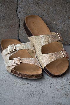 City Stroll Sandal Metallic Gold Birkenstock Style Sandal shopbelleboutique.com USE CODE TAYLOR20 for 20% off!