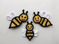 Free crochet pattern for a beautiful family of bees. Easy and quick pattern!