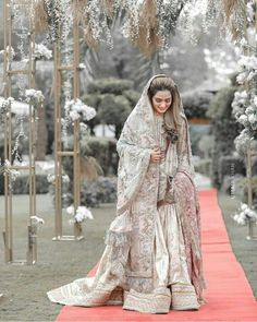 Nikkah Dress, Shadi Dresses, Pakistani Wedding Dresses, Stylish Dresses For Girls, Wedding Dresses For Girls, Girls Dresses, Bridal Outfits, Bridal Dresses, Bridle Dress
