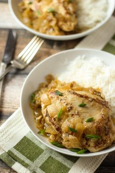 Poulet Yassa (Senegalese Chicken) - This is a really easy and healthy recipe if you're looking to try something new!