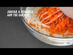 Deliciosas, fofas e saudáveis panquecas de cenoura e côco (vegan) Delicious, fluffy and healthy carrot coconut pancakes (vegan) Para a receita completa, visi...