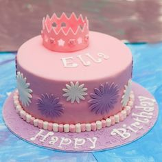 Princess Birthday Cake A Girls Dream: Princess Cakes Purple Birthday, Baby Girl Birthday, Princess Birthday, Happy Birthday Parties, Cool Birthday Cakes, Purple Princess Party, Simple Cake Designs, Fete Halloween, Girl Cakes