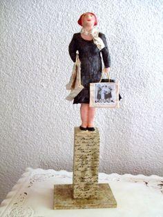 Pappmache Skulptur