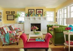 Cottage Style Living Room, Living Room Decor Eclectic, Cottage Style Decor, Living Room Red, Cottage Style Homes, Cottage Bedrooms, Small Bedrooms, Cottage Design, Country Homes