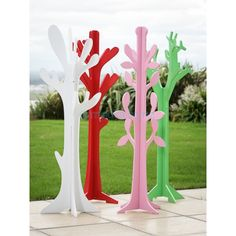 Cute kids clothes tree which could fit my Dr Seuss theme
