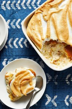 Banana pudding is a simple Southern classic that has evolved into an all-American favorite. This recipe lightens up the traditional pudding by using low-fat milk, fat-free sweetened condensed milk and reduced-fat cookies.#dessertrecipes #dessertideas #dessertdishes #sweettreats