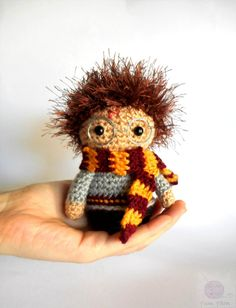 HARRY POTTER jouet Amigurumi - Figure inspiré de Harry Potter au Crochet - Wizzard peluche