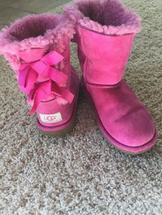uggs bailey bow girls size 1 EUC Pink Boots - http://shoes.goshoppins.com/girls-shoes/uggs-bailey-bow-girls-size-1-euc-pink-boots/