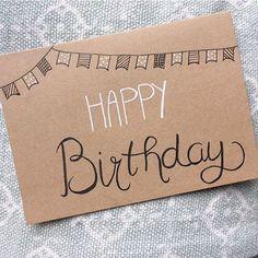 Verjaardagskaartje sturen? Je koopt ze bij ons voor maar €1! #lievigheidje #kaartje #happybirthday #verjaardag #hoera #kaart #post #postcard #echtepostiszoveelleuker #brievenbus #vlaggetjes #slingers #kraft #hiephiephoera #kraft #zwartwit #happybday