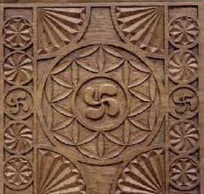On Basque furniture: the Lauburu (four-headed cross), the oldest Basque coat of arms Diy Wall Art, Wood Wall Art, Bird People, Seed Of Life, Chip Carving, Basque Country, Flower Of Life, Gods And Goddesses, Body Mods