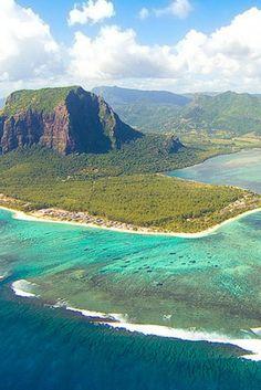 Bucketlist ALERT! OMG, deze dreamdeal naar Mauritius wil je niet missen🌴  10 dagen naar dit paradijs op aarde kan totally yours zijn. Hoe? Zo! --->https://ticketspy.nl/deals/fly-emirates-ticket-10-daagse-vakantie-mauritius-va-e903/