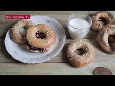 YouTube Bagel, Doughnut, Bread, Cookies, Desserts, Recipes, Youtube, Crack Crackers, Tailgate Desserts