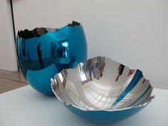 Jeff Koons artwork: Cracked Egg www.bocadolobo.com